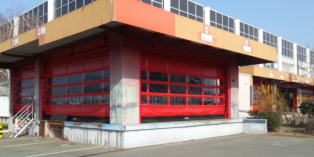 The new high-speed flexible folding doors by Nergeco at the Postal Sorting Centre