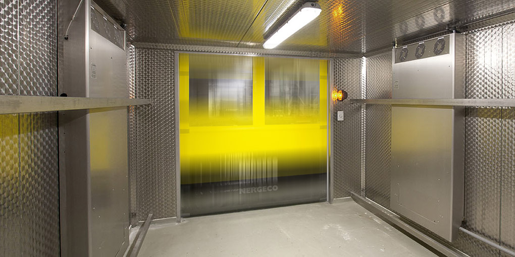 Rapid flexible doors for the food processing industry, better than stainless steel